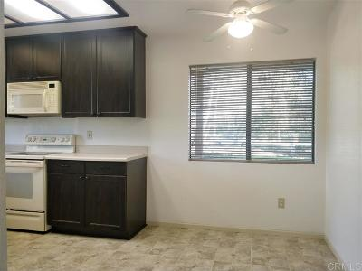 Vista Attached For Sale: 986 Lupine Hills #88