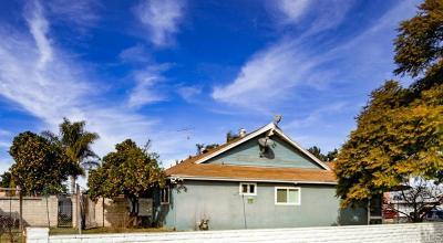 Oceanside Single Family Home For Sale: 129 Mayfair St