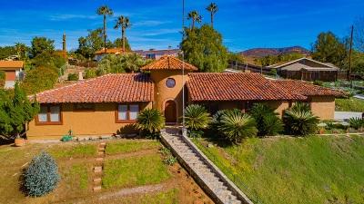 Vista Single Family Home For Sale: 102 Alta Mesa