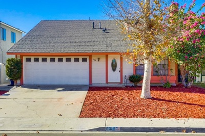 San Diego Single Family Home For Sale: 5918 Flipper Dr