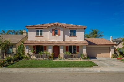 Riverside County Single Family Home For Sale: 1072 Lilac