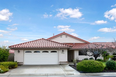 Fallbrook Single Family Home For Sale: Ridge Heights Drive
