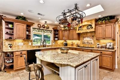 Escondido Single Family Home For Sale: 749 Quiet Hills Farm Road