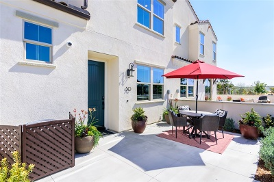 Chula Vista Townhouse For Sale: 1935 Avenida Citron #112