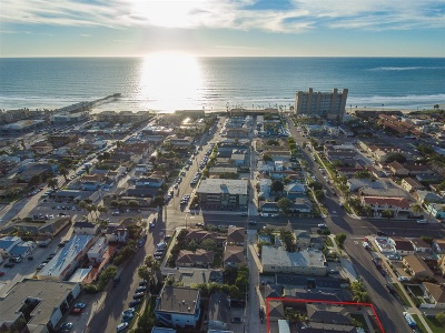 Pacific Beach, Pacific Beach Sail Bay, Pacific Beach, North Pacific Beach, Pacific Beach/Crown Point Attached For Sale: 911 Missouri St #6