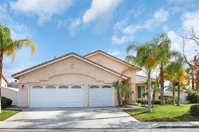 Riverside County Single Family Home For Sale: 37 Corte Rivera