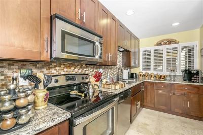 Attached For Sale: 2514 Clairemont Dr #109