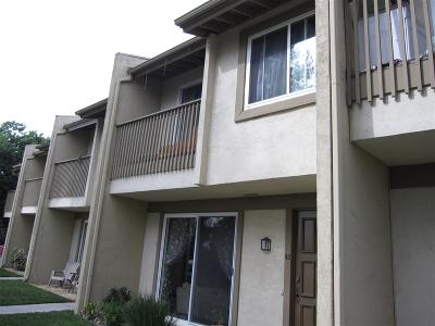 La Mesa Townhouse For Sale: 7700 Parkway Dr. #42