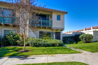 Carlsbad Townhouse For Sale: 6829 Batiquitos Dr