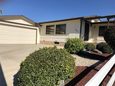 Vista Single Family Home For Sale: 637 Via Columbia
