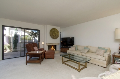 Rancho Santa Fe Townhouse For Sale: 16072 Via Viajera