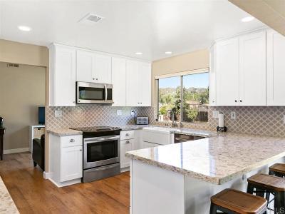Escondido Single Family Home For Sale: 2806 La Colina Dr