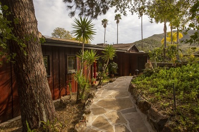 Escondido Single Family Home For Sale: 715 Quiet Hills Farm Rd