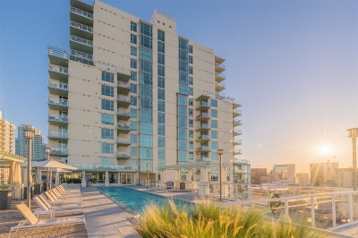 San Diego CA Attached For Sale: $1,075,000