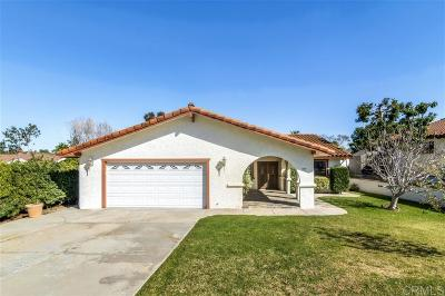 Vista Single Family Home For Sale: 1737 Anza Ave