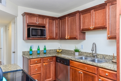 Attached For Sale: 550 Graves Ave #18