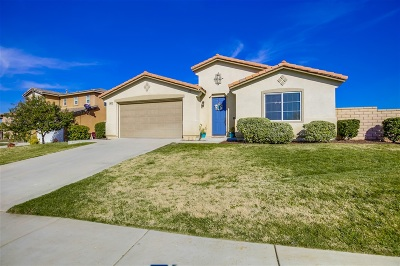 Riverside County Single Family Home For Sale: 28576 Autumn Ln