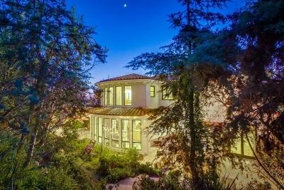 La Jolla Single Family Home For Sale: 5943 Folsom Drive