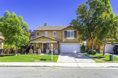 Riverside County Single Family Home For Sale: 31328 Compass Circle