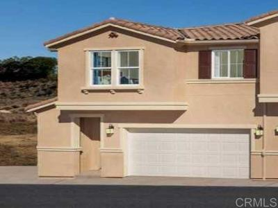 Vista Townhouse For Sale: 1368 Mesquite Drive