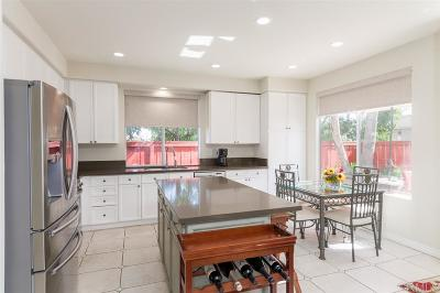 Carlsbad Single Family Home For Sale: 3207 Corte Presidio