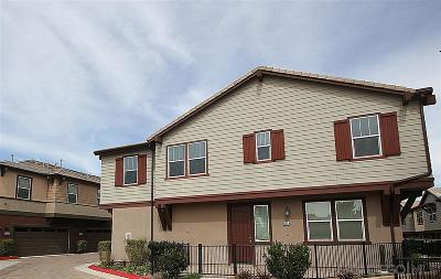 Chula Vista Townhouse For Sale: 1533 Champion Ln #4