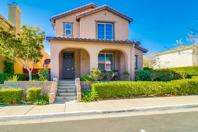 Chula Vista Single Family Home For Sale: 1657 Moonbeam