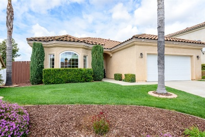 Escondido Single Family Home For Sale: 1729 Dancer Place