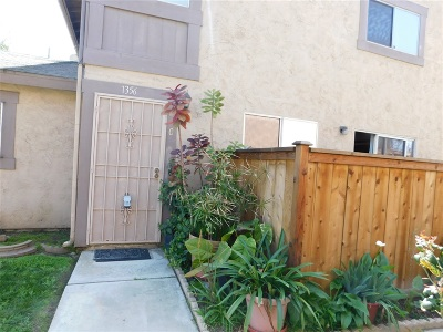 San Ysidro Attached For Sale: 1356 W San Ysidro Blvd #C