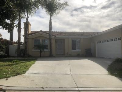 Vista Single Family Home For Sale: 2110 Verona Hills Ct