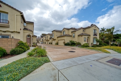 Carlsbad Townhouse For Sale: 723 Magnolia Ave