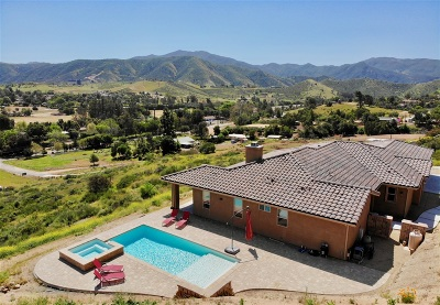 Single Family Home For Sale: 1910 Harbison Canyon Road