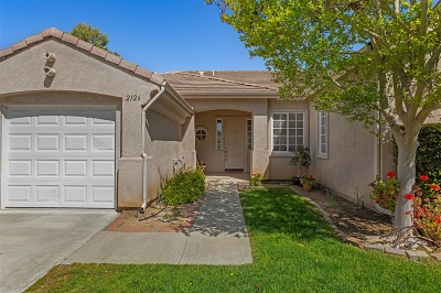 Fallbrook Single Family Home For Sale: 2126 Stone Castle
