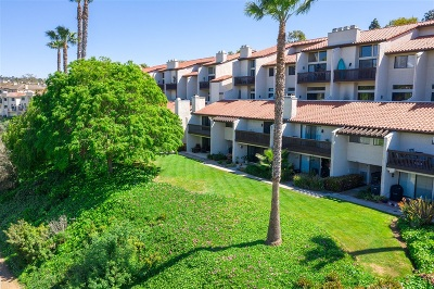 Carlsbad Townhouse For Sale: 2508 Navarra Dr. #404