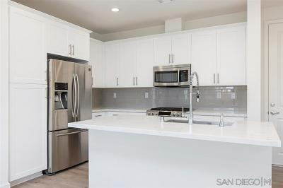 Carlsbad Townhouse For Sale: 3111 Simba Way