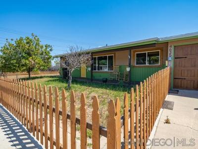 San Diego Single Family Home For Sale: 4635 Derrick Dr