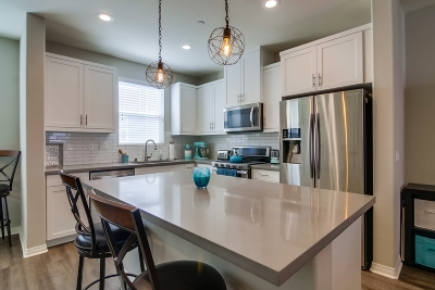 Imperial Beach Townhouse For Sale: 504 Hummingbird Lane