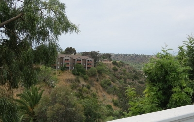 Oceanside Single Family Home For Sale: 913 Hillcrest Place