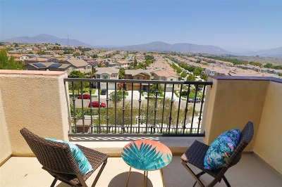 Chula Vista Attached For Sale: 2235 Antonio Dr #18