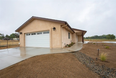 Valley Center Single Family Home For Sale: 29588 Valley Center Rd