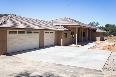 Valley Center Single Family Home For Sale: 9505 Circle R Dr