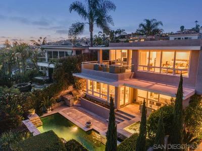 La Jolla Single Family Home For Sale: 5381 Moonlight Ln