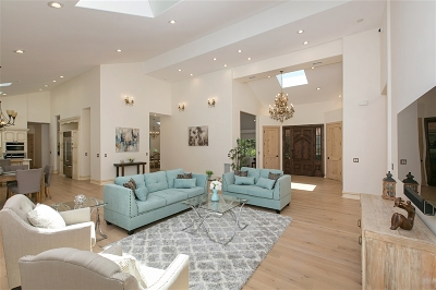 Single Family Home For Sale: 16434 La Via Feliz