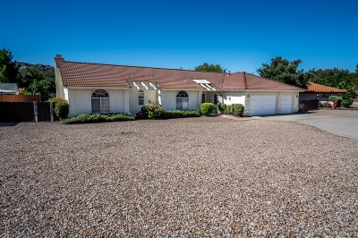 Ramona Single Family Home For Sale: 16135 Hampson Pl