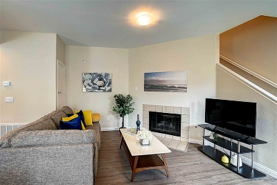 San Diego Townhouse For Sale: 13009 Evening Creek Dr. #7