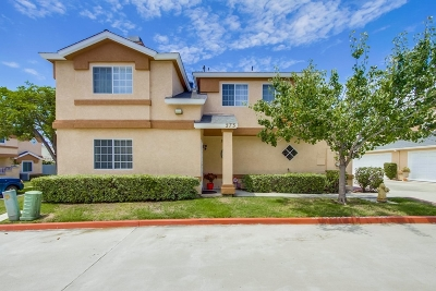Chula Vista Townhouse For Sale: 273 Oxford #C