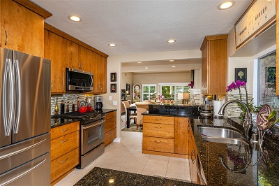Oceanside Condo For Sale: 4907 Galicia Way