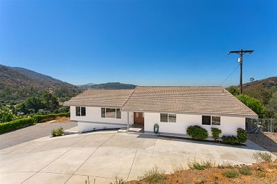 Escondido Single Family Home For Sale: 3620 E Valley Parkway