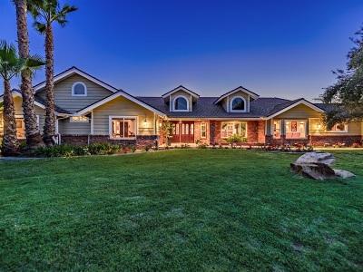 Fallbrook Single Family Home For Sale: 2317 Vista Valle Verde Dr.