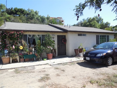 San Diego Single Family Home For Sale: 6377 Radio Dr